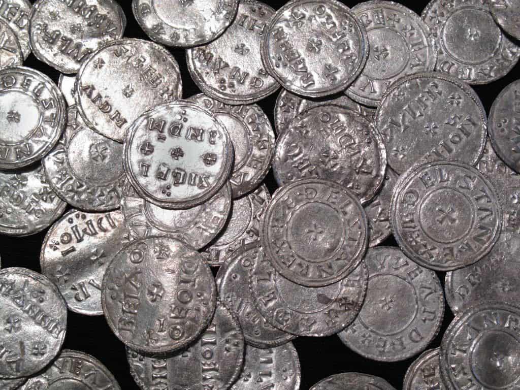 Viking en Angelsaksische zilveren munten in York, Engeland